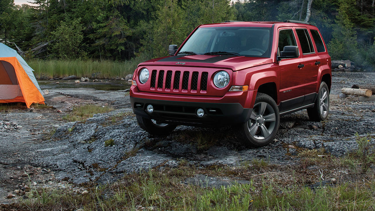 comparison jeep patriot 2016 vs toyota 4runner sr5 premium 2016 suv drive. Black Bedroom Furniture Sets. Home Design Ideas