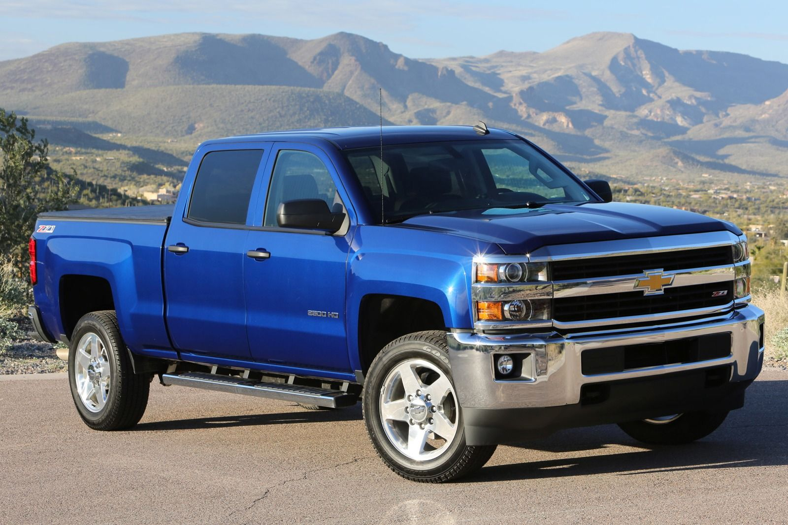 Comparison Chevrolet Silverado 2500hd Crew Cab High Country 2015