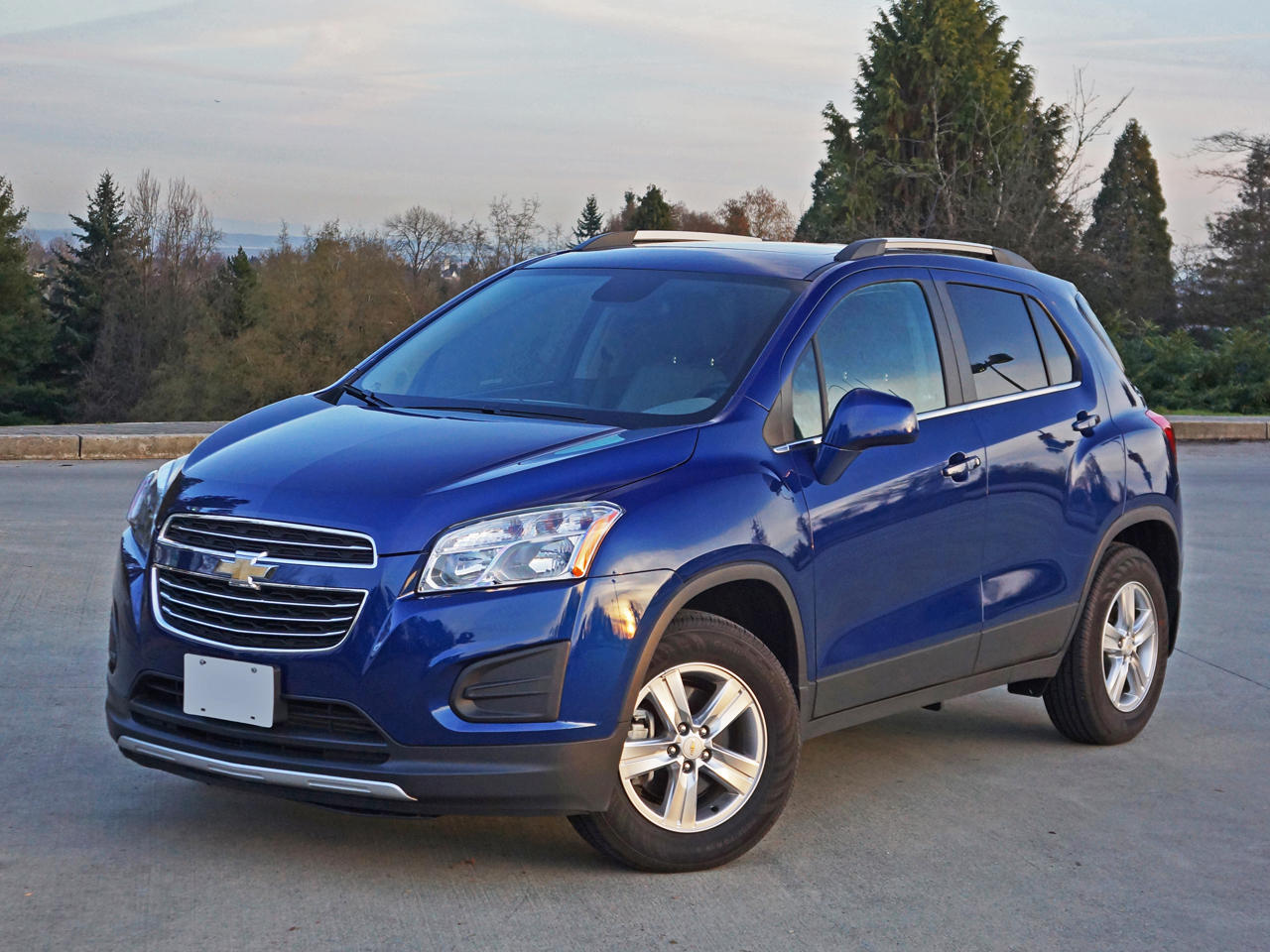 Comparison Chevrolet Trax Suv 2016 Vs Suzuki Grand
