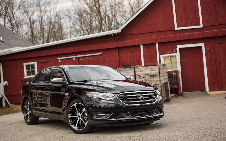 Comparison Ford Taurus Limited 2018 Vs Fusion Platinum Hybrid