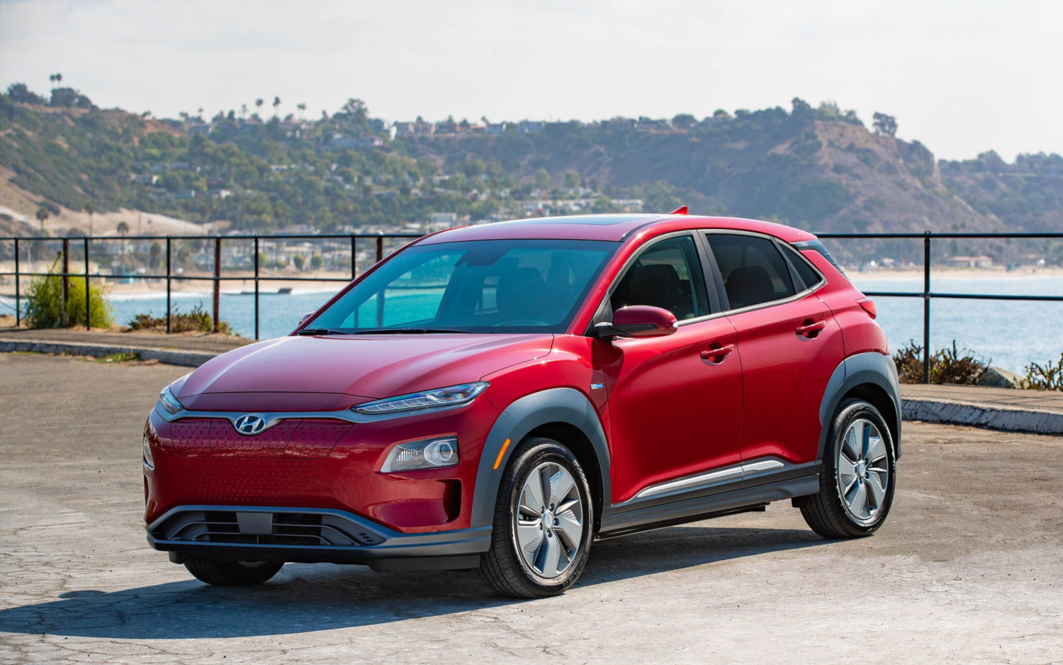 comparison hyundai kona electric 2019 vs kia niro. Black Bedroom Furniture Sets. Home Design Ideas