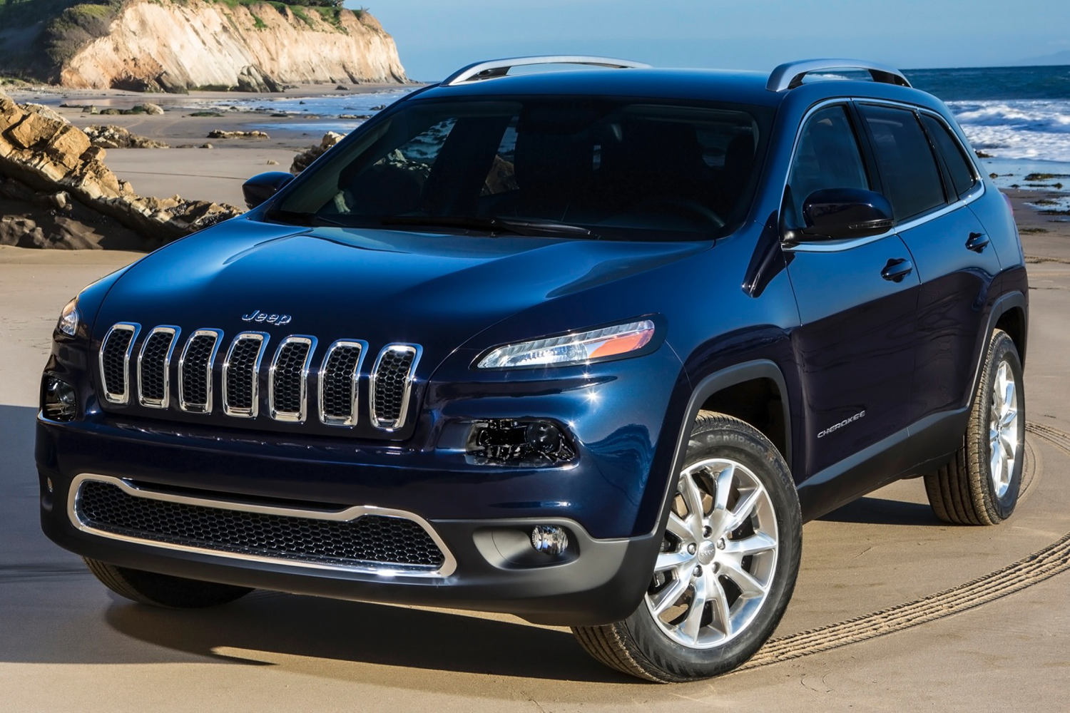 Comparison Jeep Cherokee 2016 Vs Mercedes Benz Gla