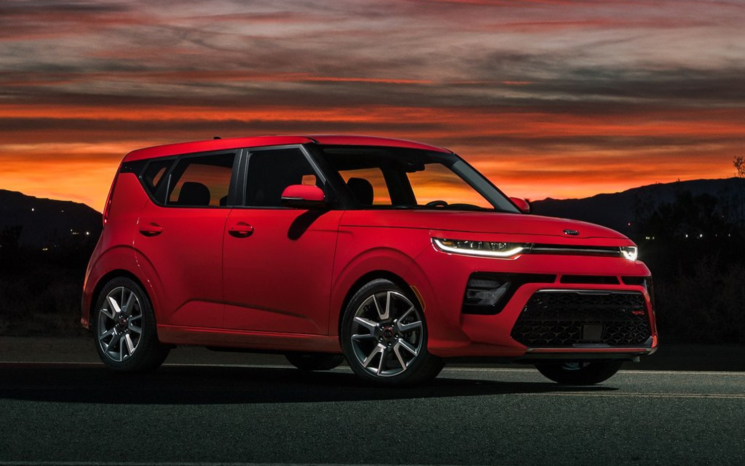 Comparison Kia Soul Gt Line 2020 Vs Jeep Renegade Trailhawk