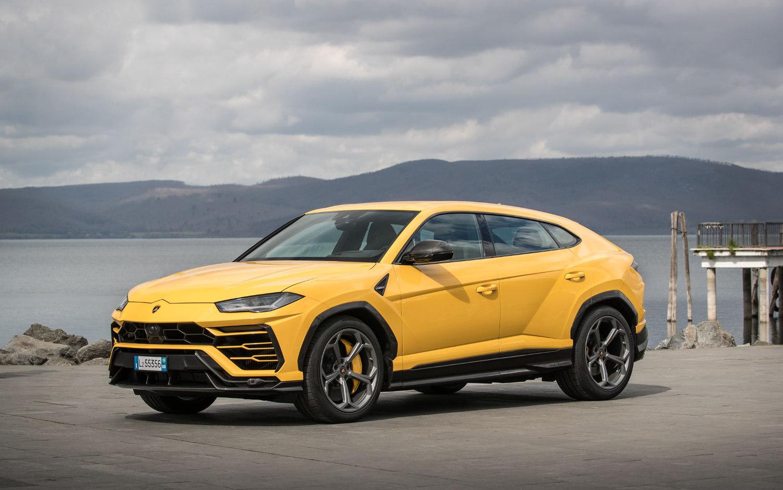 Comparison Lamborghini Urus 2019 Vs Bentley Bentayga 2021 Suv Drive