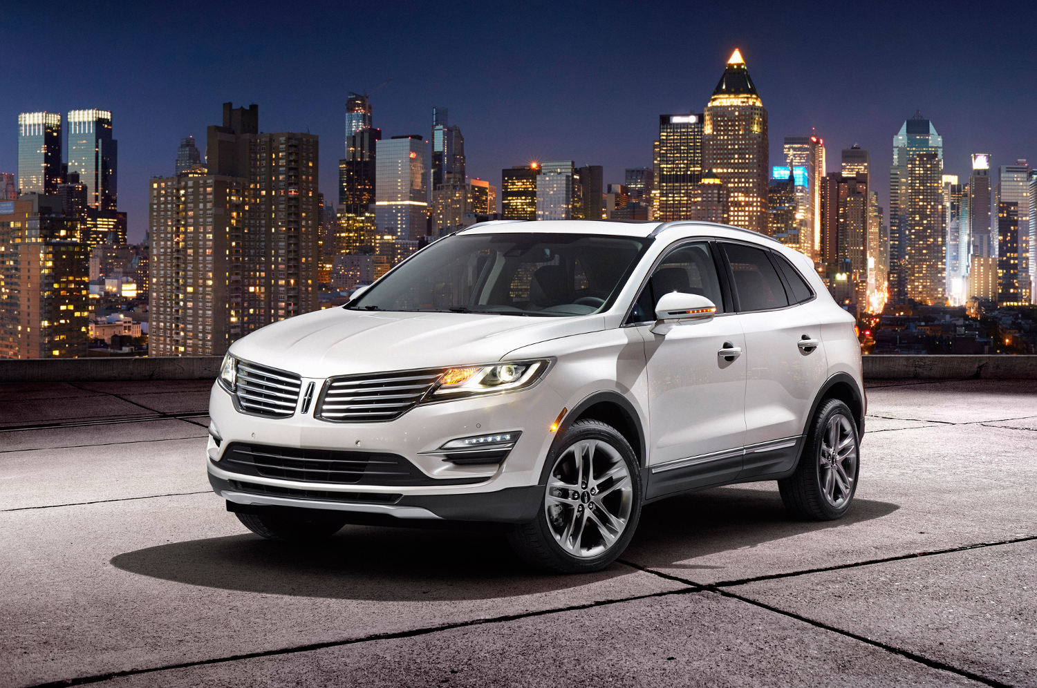 Comparison Ford Edge Sport 2015 Vs Lincoln Mkc Suv