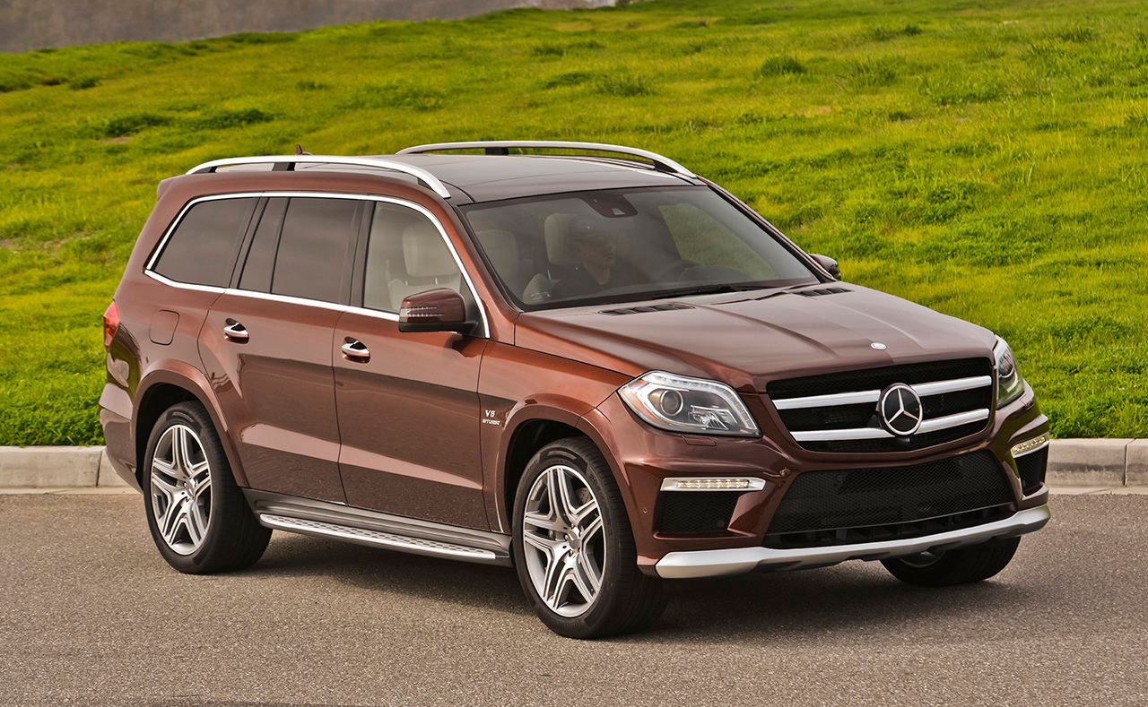 Comparison mercedes benz gl class gl63amg 2015 vs for Mercede benz suv