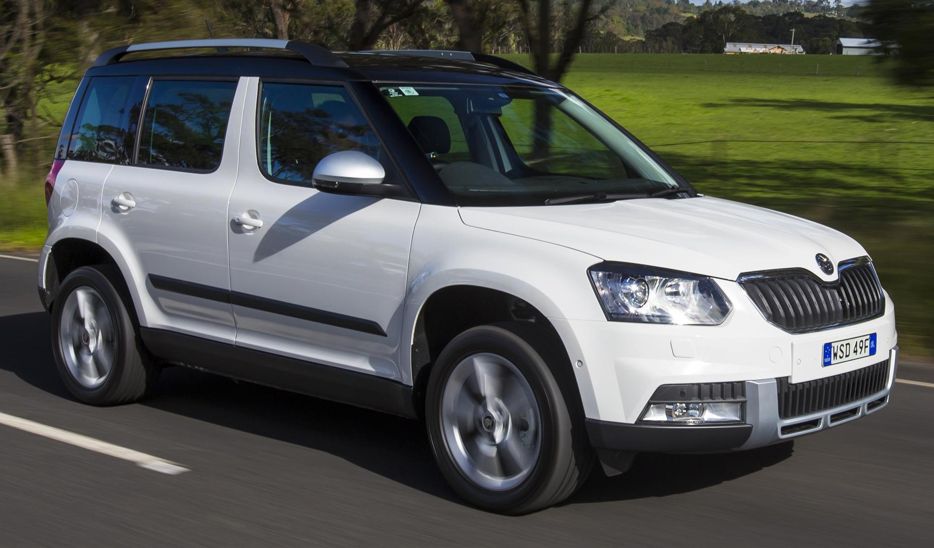 מודרניסטית Comparison - Skoda Yeti ACTIVE 77 TSI 2015 - vs - Jeep Renegade MH-73