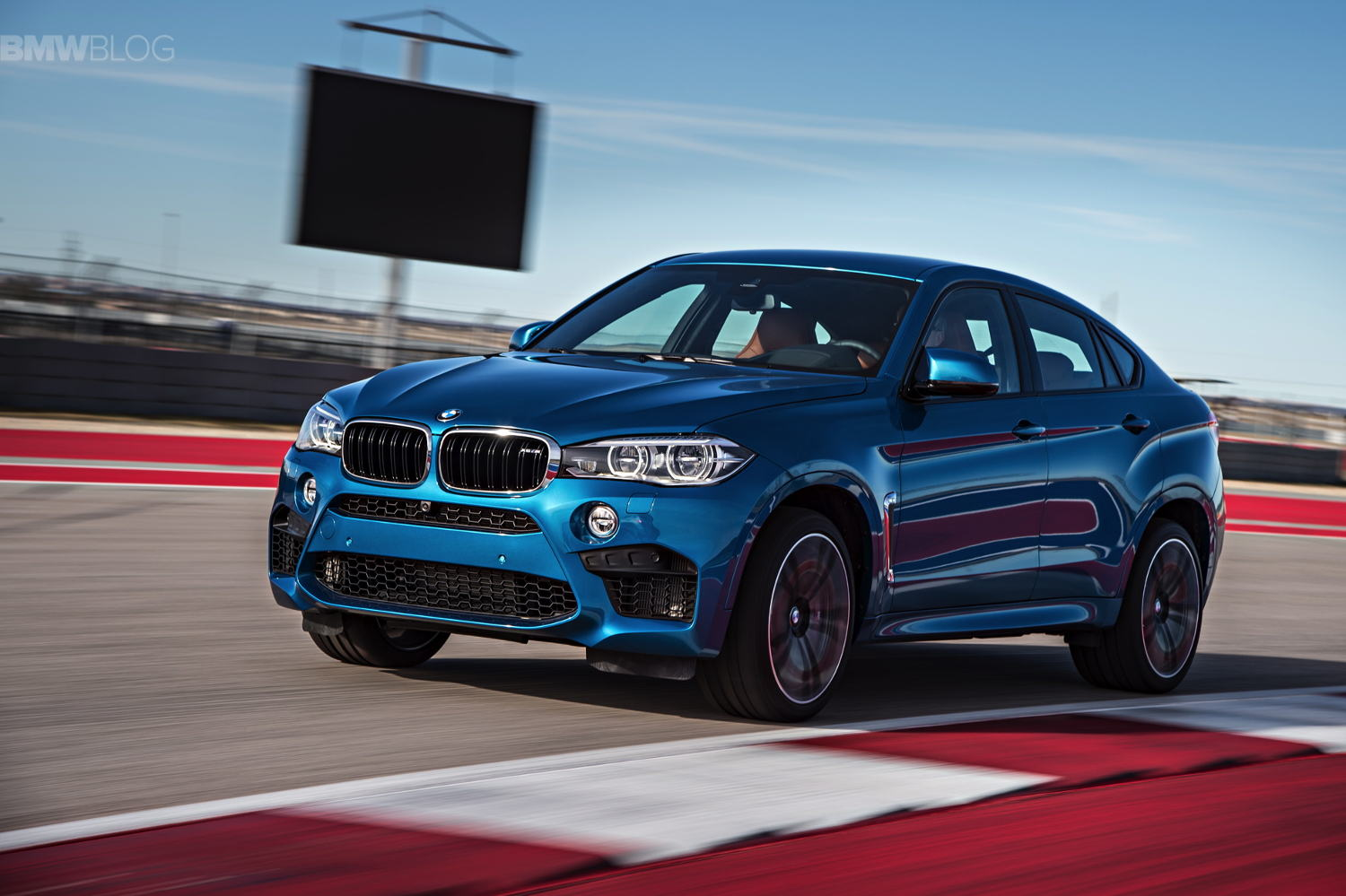 Comparison Bmw X6 M 2015 Vs Bmw X6 M 2017 Suv Drive