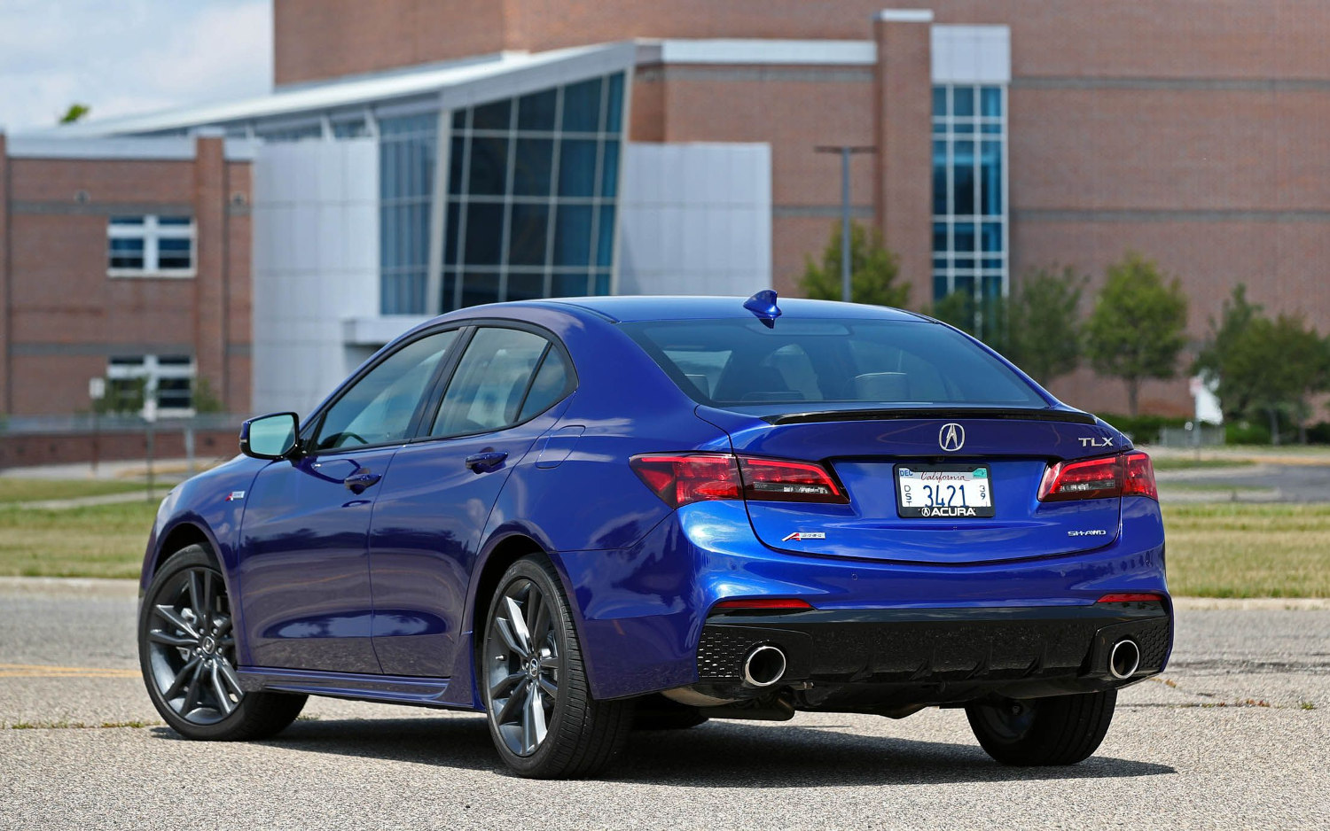 Comparison - Acura TLX Technology Package 2018 - vs ...