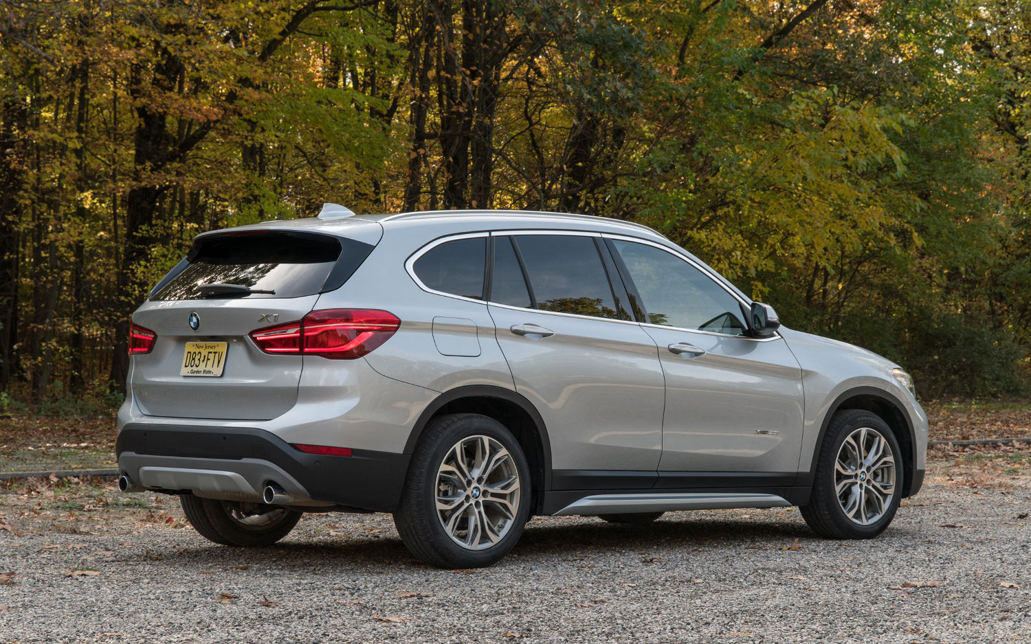 Comparison Bmw X1 Xdrive28i 2018 Vs Bmw X2 Xdrive