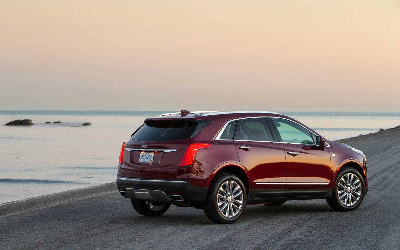 Comparison Cadillac Xt5 Luxury 2018 Vs Cadillac Xt4 Sport 2019