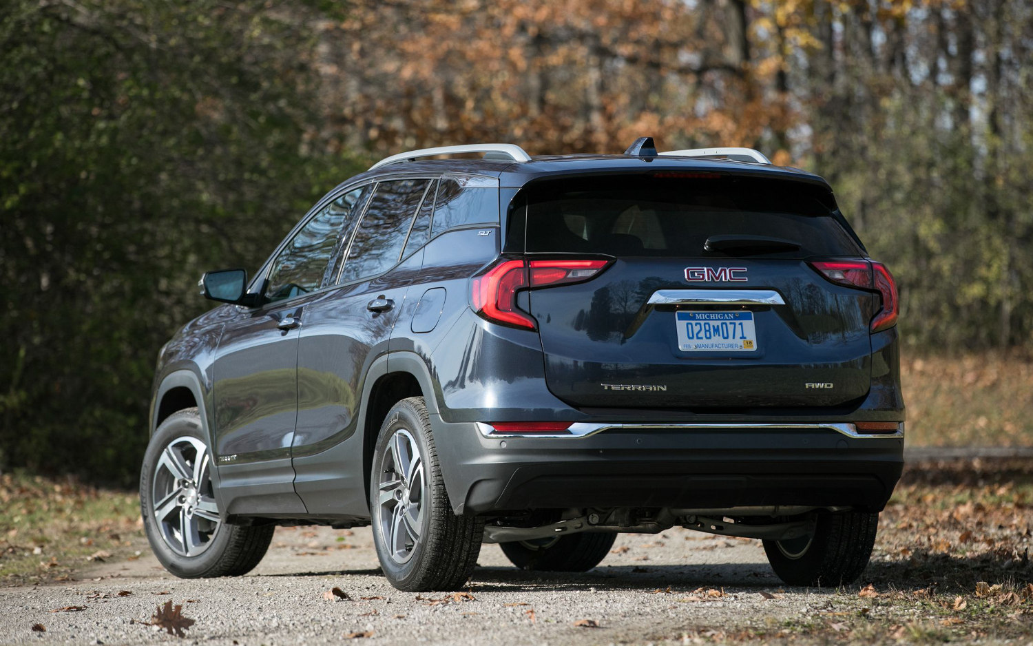 Comparison - Chevrolet Equinox LT 2019 - vs - GMC Terrain ...