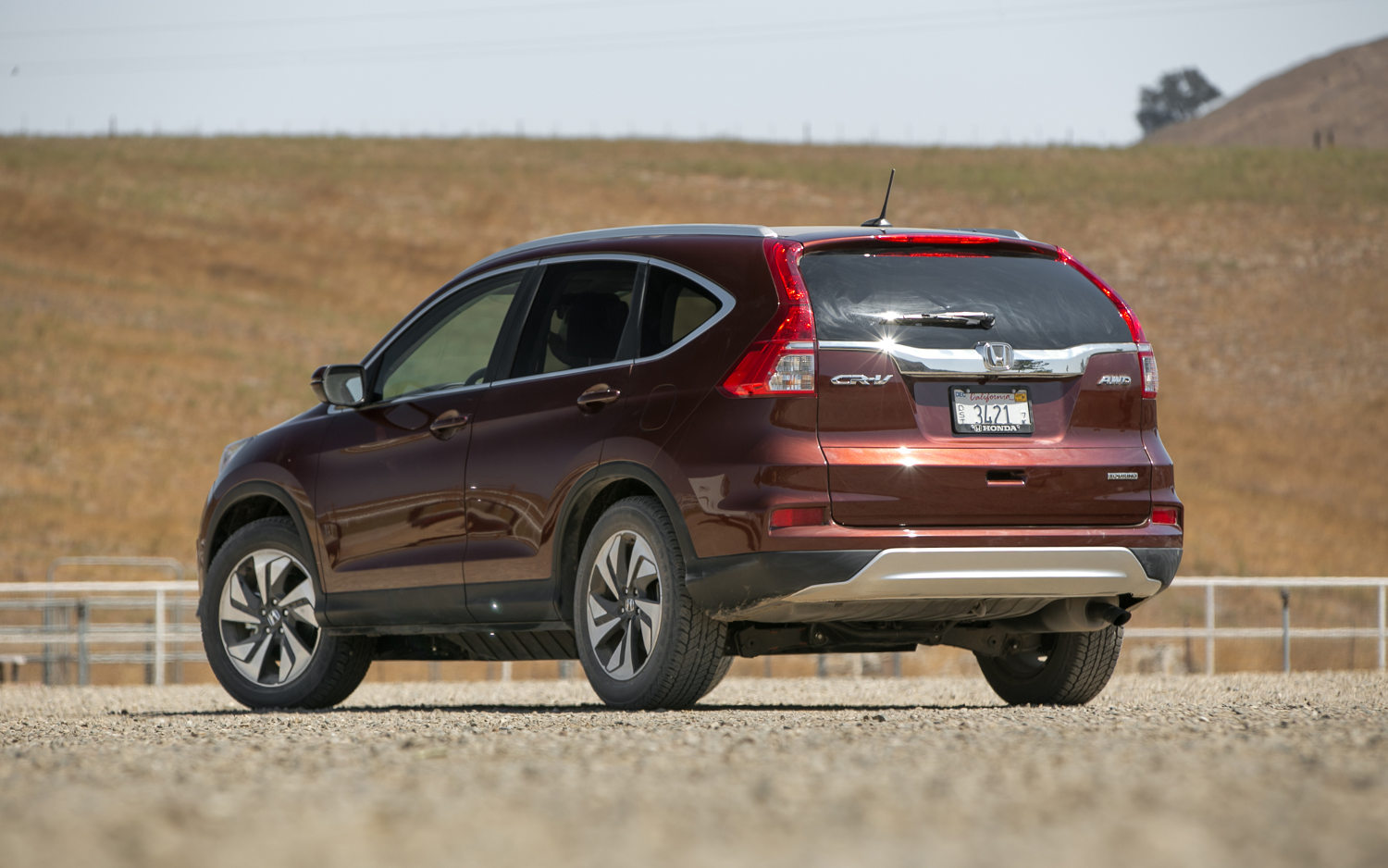 Comparison honda cr v 2015 vs toyota rav4 suv 2015 for Honda rav 4