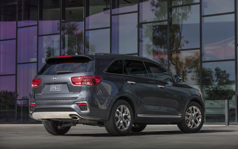 Comparison - Subaru Outback 2.5i Limited 2018 - vs - Kia ...