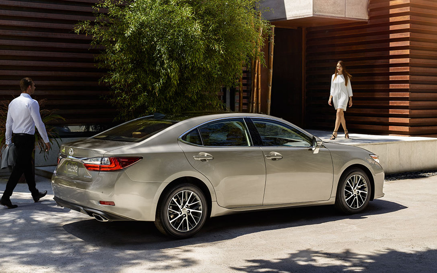 comparison - lexus es 350 2018 - vs