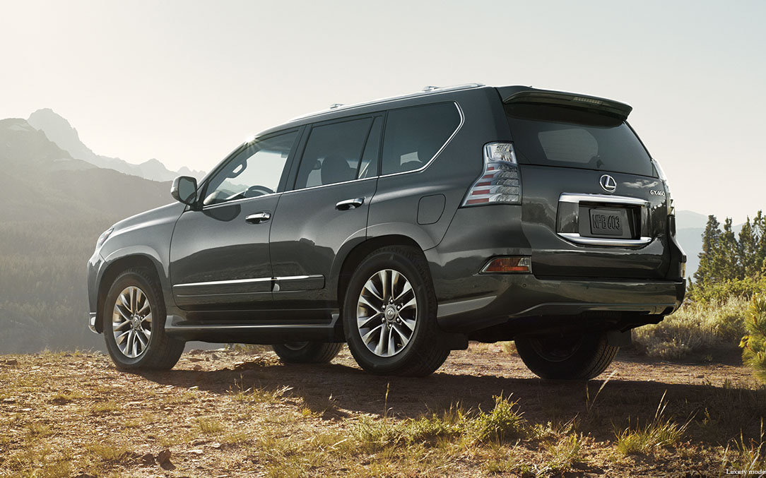 Comparison - Lexus GX 460 Luxury 2015 - vs - Toyota Land