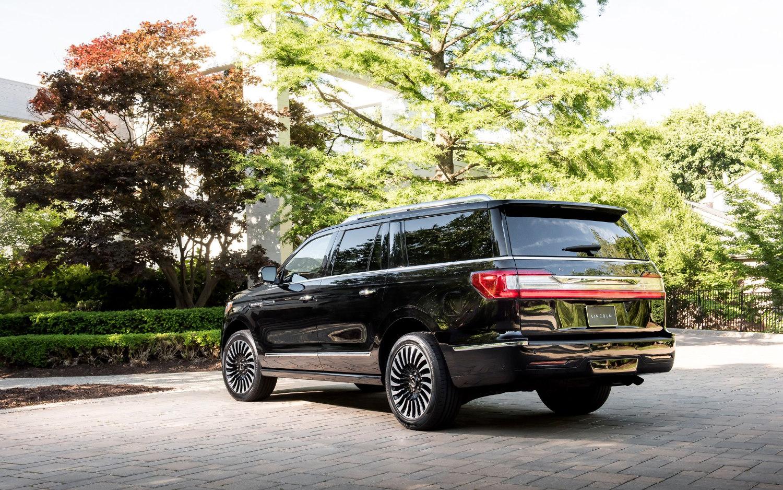 Comparison Lincoln Navigator Black Label 2018 Vs Lincoln Nautilus Black Label 2019 Suv Drive