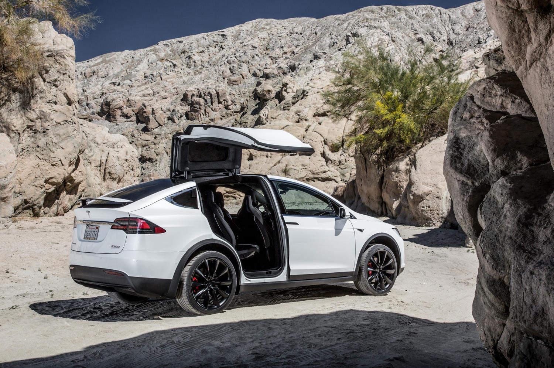 Comparison Tesla Model X P90D 2016 Vs Lexus RX 350