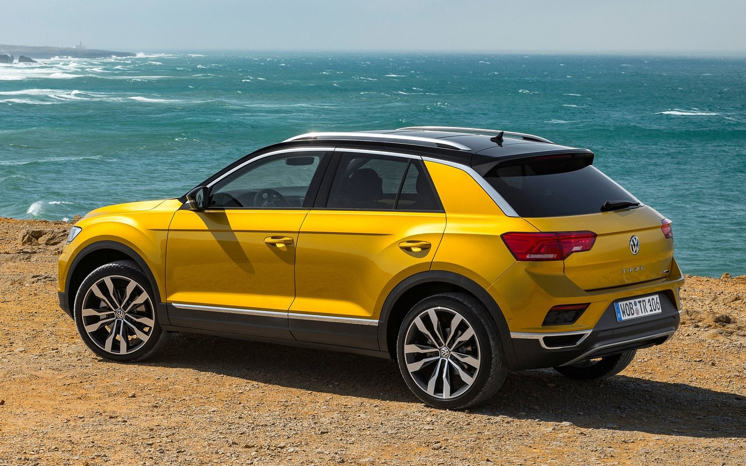 volkswagen t roc geneva 2014 volkswagen t roc concept volkswagen t roc moteur 1 5 tsi 150 au. Black Bedroom Furniture Sets. Home Design Ideas