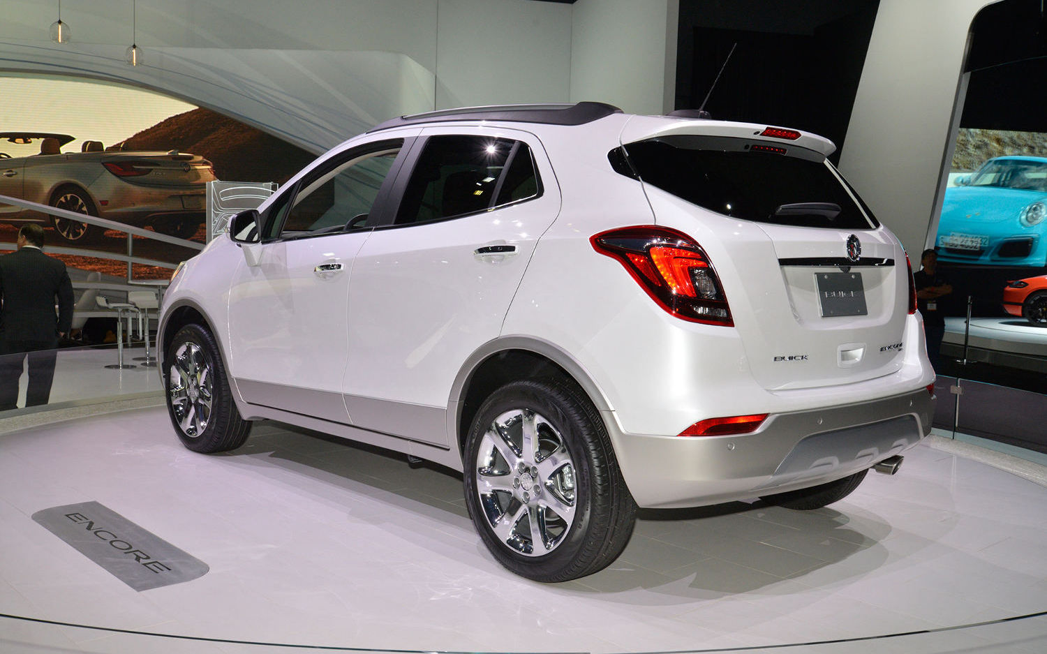 Honda crv or buick encore fiat world test drive for Buick encore vs honda hrv