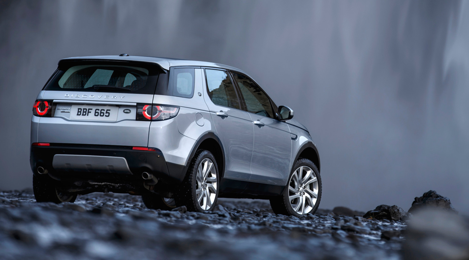 Comparison Land Rover Discovery Sport Suv 2015 Vs Mini Cooper