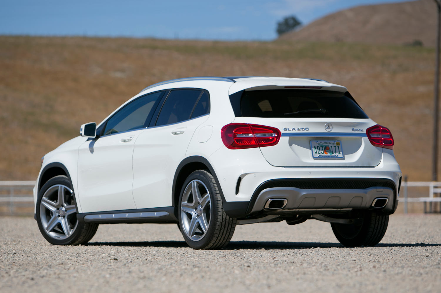 Comparison mercedes benz gla class 2016 vs subaru for Mercedes benz compare