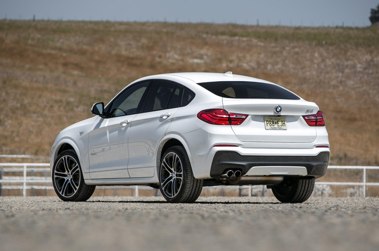 Comparison Bmw X4 Xdrive35i 2015 Vs Honda Crosstour