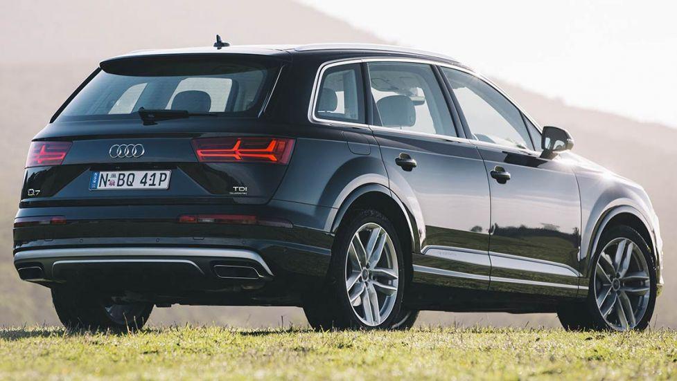 Comparison Audi Sq5 Premium Suv 2016 Vs Audi Q7 Suv 2015