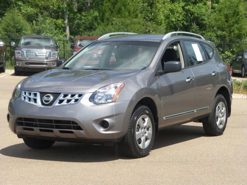 Comparison Chevrolet Captiva 2015 Vs Nissan Rogue Select Suv