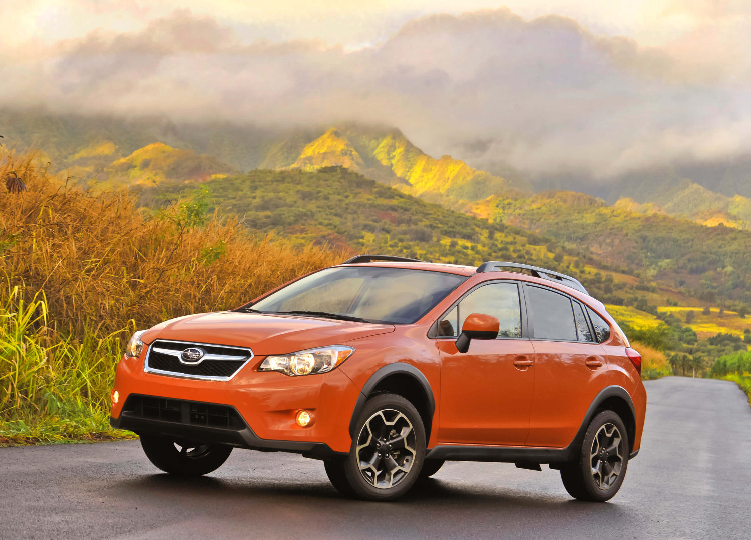 comparison subaru crosstrek hybrid 2016 vs subaru. Black Bedroom Furniture Sets. Home Design Ideas