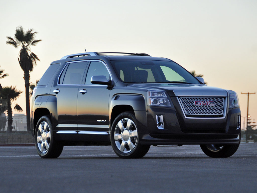 Comparison GMC Terrain Denali 2016 Vs Ford Edge