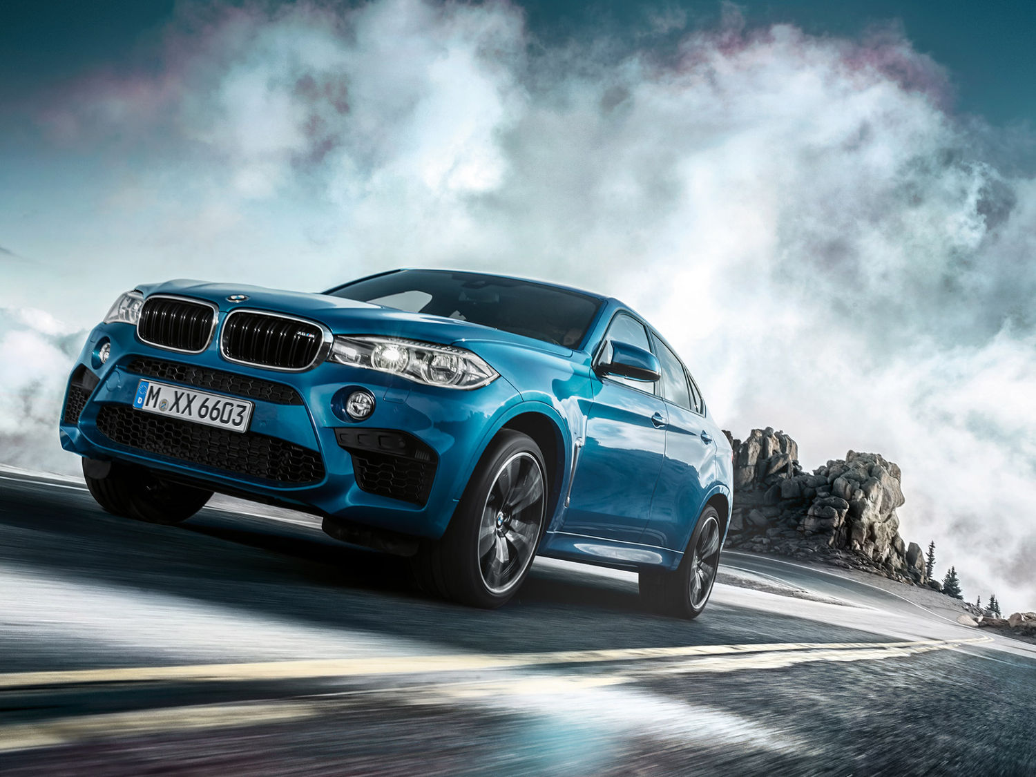 Comparison Bmw X6 M 2016 Vs Porsche Macan Turbo 2016