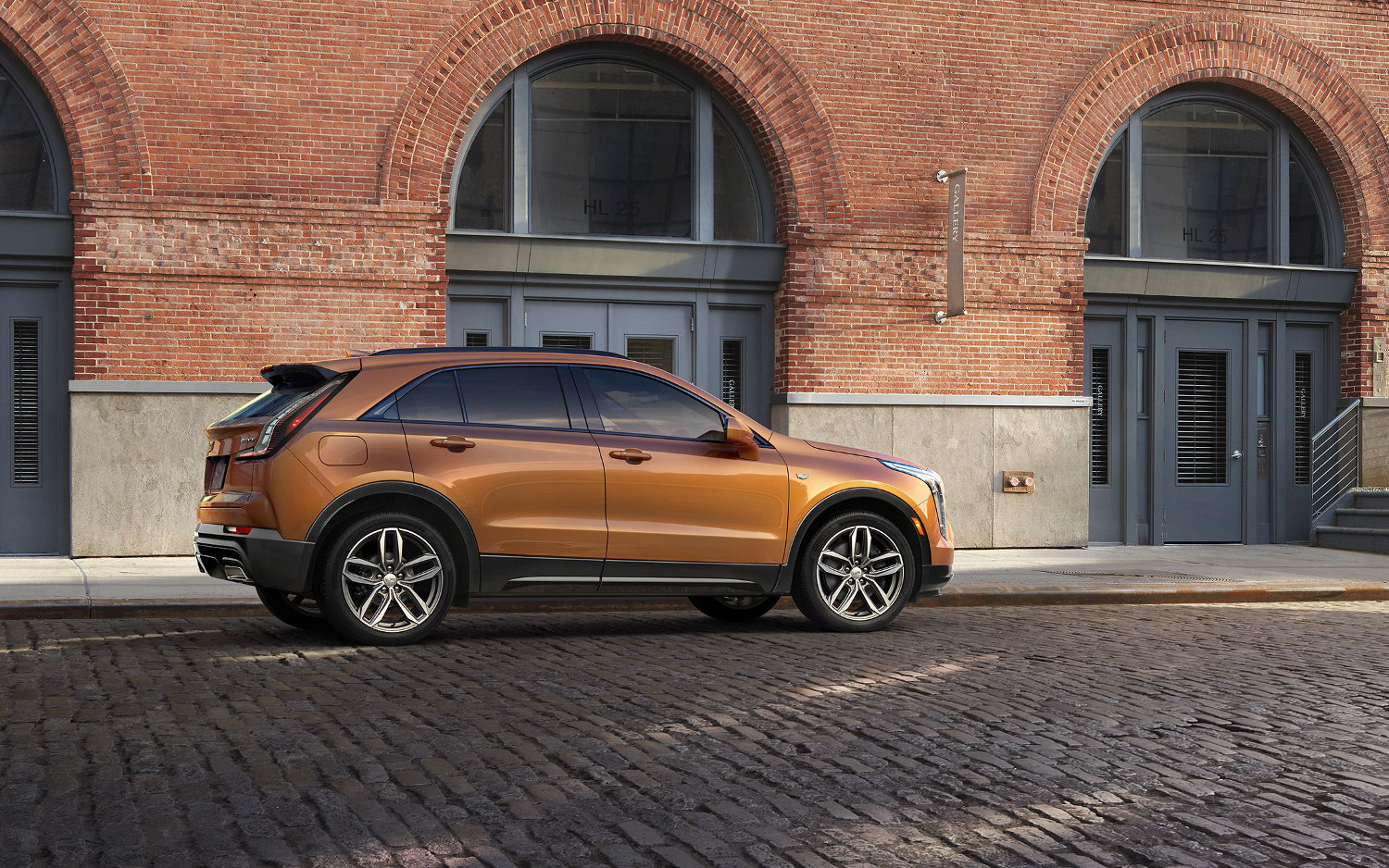 Comparison - Honda CR-V 2015 - vs - Cadillac XT4 Sport ...