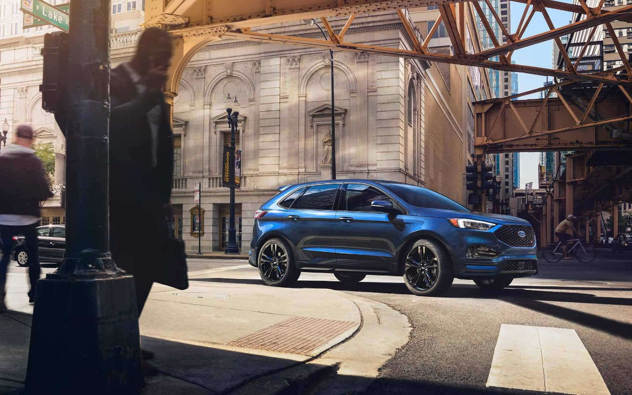 Comparison Ford Edge Titanium  Vs Jeep Cherokee Limited