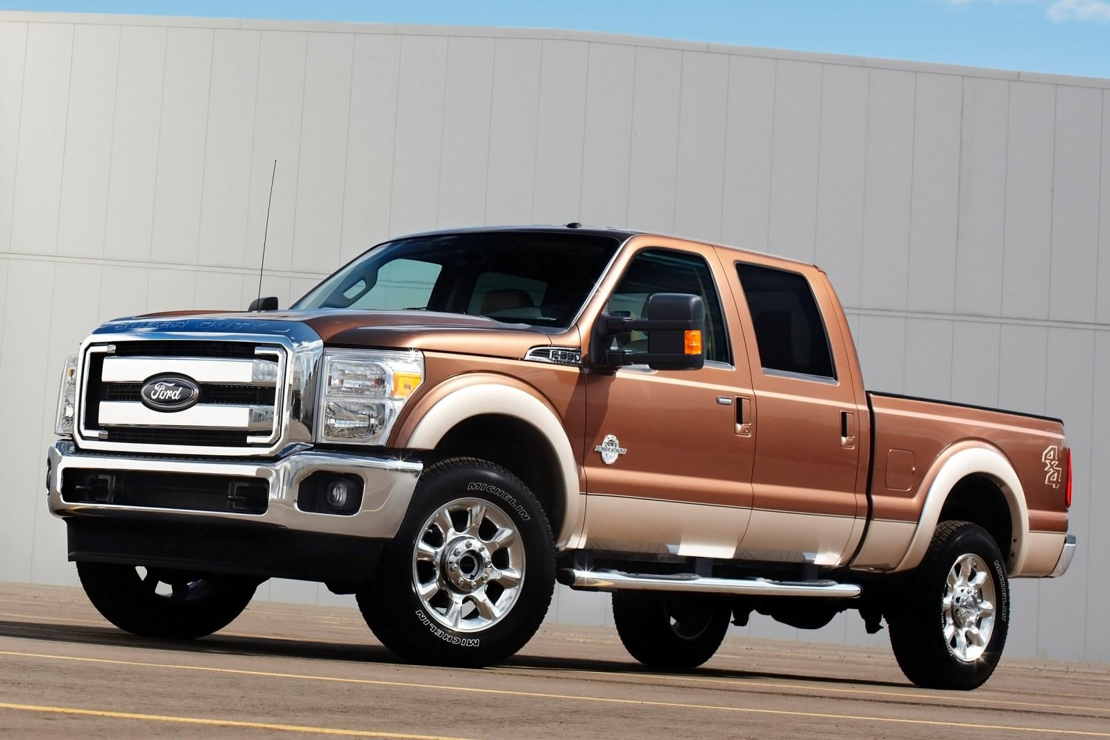 comparison ford f 250 super duty crew cab lariat 2015. Black Bedroom Furniture Sets. Home Design Ideas