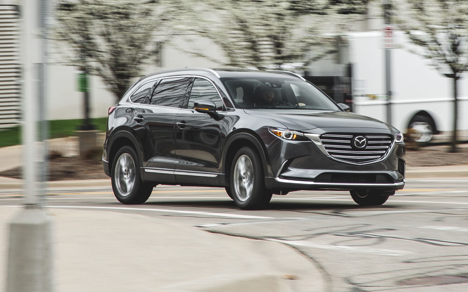 comparison - mazda cx-9 grand touring 2018 - vs - jaguar f-pace r