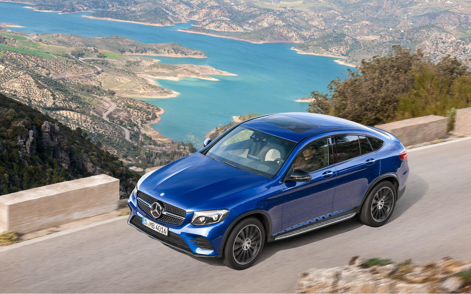 Comparison mercedes benz gle class coupe amg 63 s 4matic for Mercedes benz compare