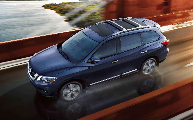 Comparison Nissan Pathfinder Platinum 2017 Vs Kia Niro Hybrid