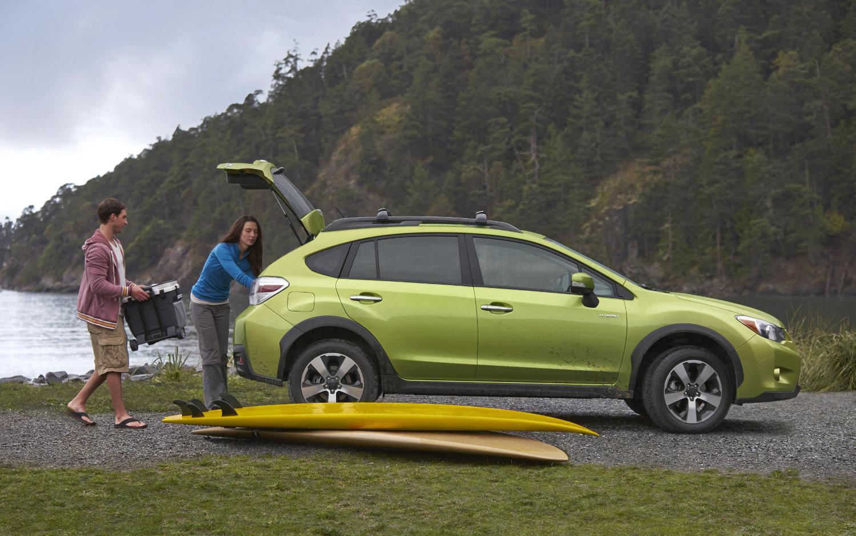 Comparison Subaru Xv Crosstrek Hybrid 2015 Vs Subaru Outback