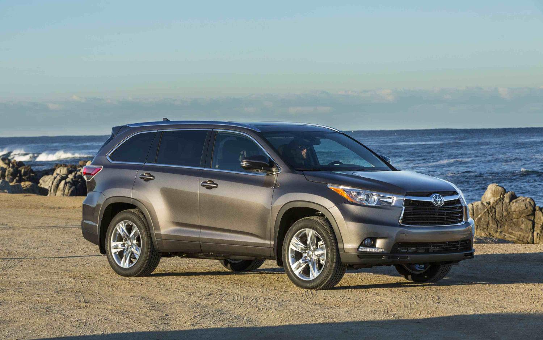 Toyota Fortuner Vs Highlander >> Comparison Toyota Fortuner 4x4 Gx 2016 Vs Toyota Highlander