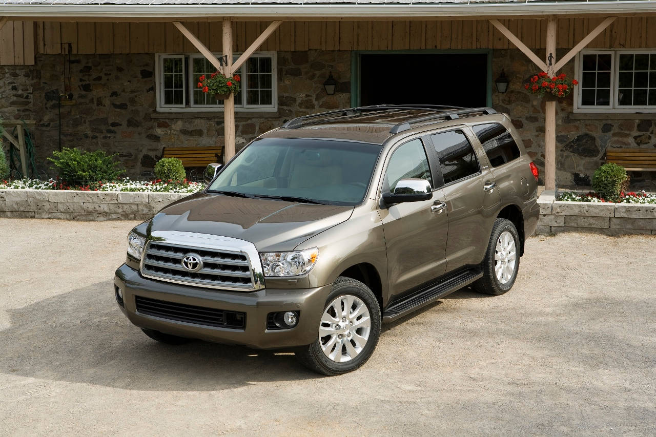 comparison toyota sequoia limited 2016 vs toyota. Black Bedroom Furniture Sets. Home Design Ideas