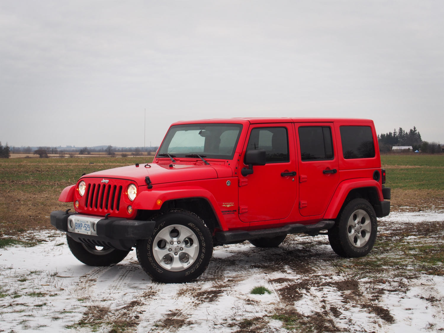 jeep wrangler unlimited sahara 2015 suv drive. Black Bedroom Furniture Sets. Home Design Ideas