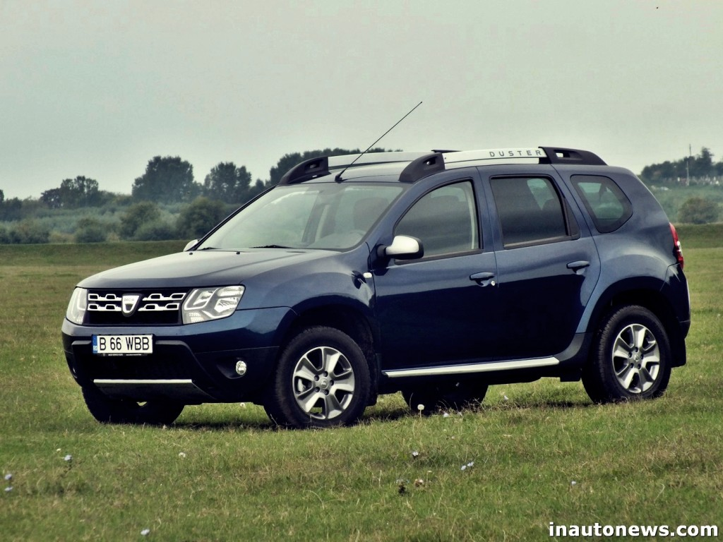 Comparison - Dacia Grand Duster SE 2018 - vs - Dacia Sandero Stepway ...