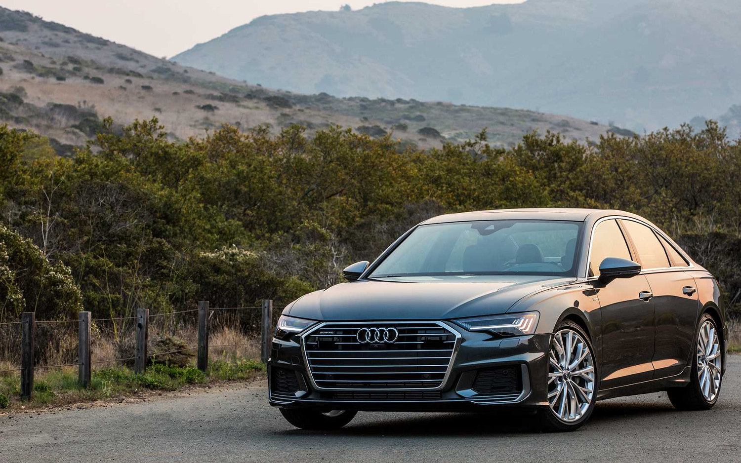 Comparison Audi A6 Sport Quattro 2019 Vs Bmw 5 Series M550i