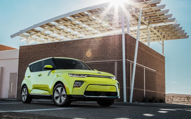 Comparison Peugeot 3008 Gt Line Premium 2019 Vs Kia Soul Ev