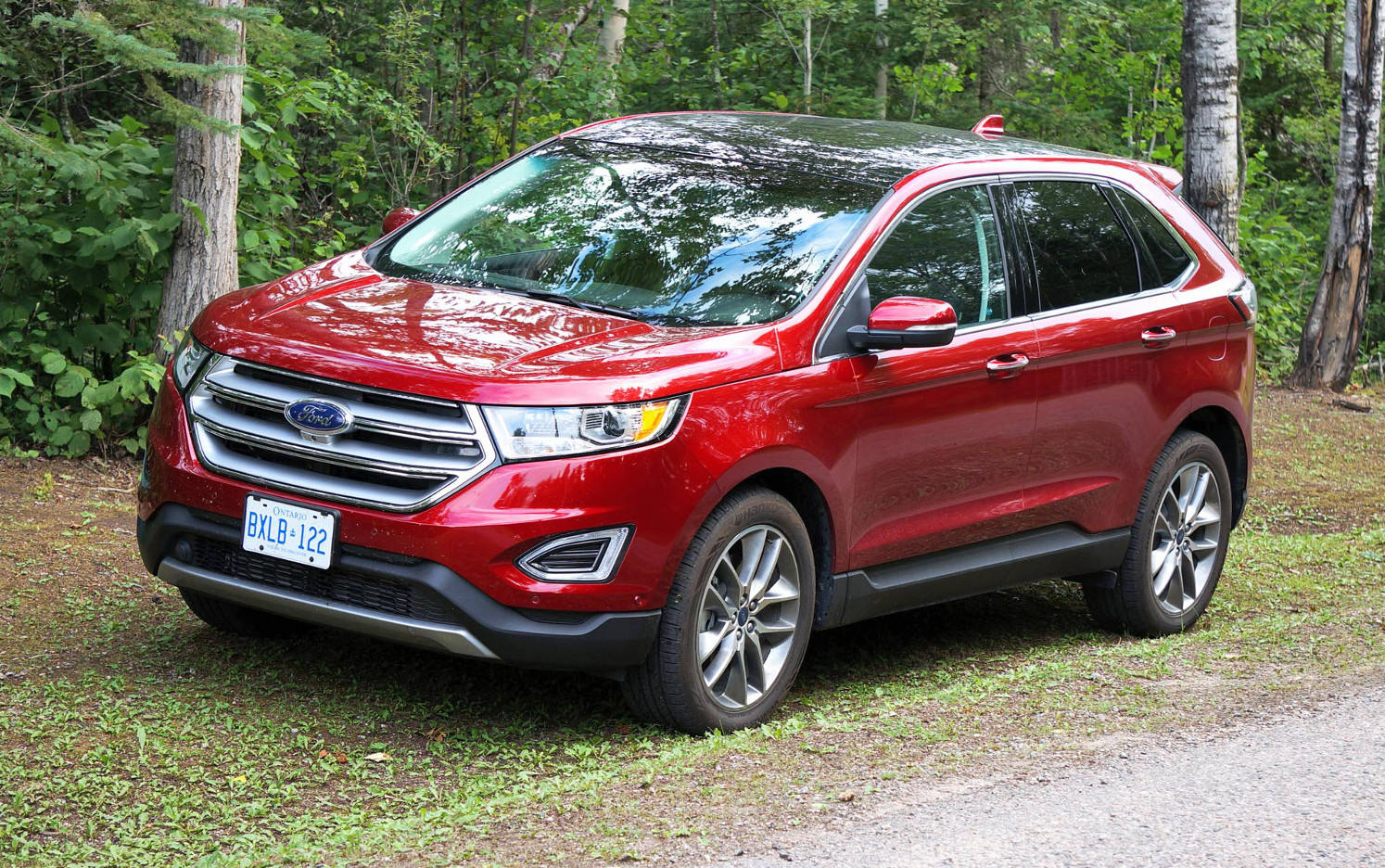 Comparison - Ford Edge Sport 2015 - vs - Suzuki Grand ...