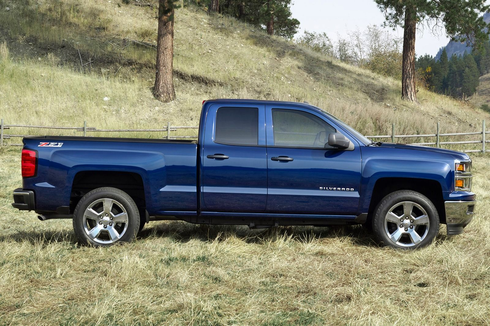 Chevy Silverado Truck Bed Dimensions >> Comparison - Chevrolet Silverado 1500 Double Cab LTZ 2015 - vs - GMC Sierra 1500 Double Cab SLT ...