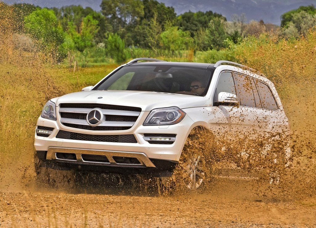 Comparison mercedes benz gl class 2016 vs infiniti for 2017 mercedes benz gl450