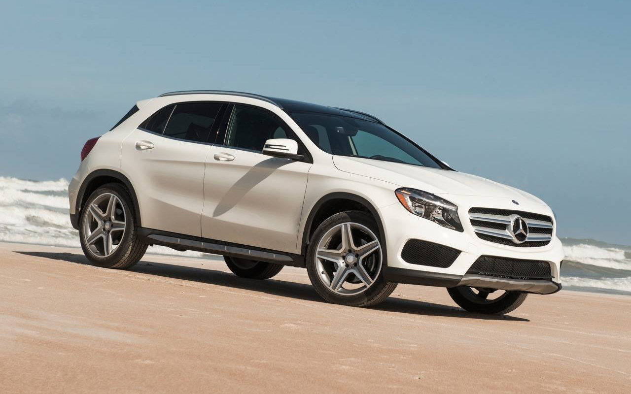 Comparison mercedes benz gla class amg gla45 4matic 2017 for Mercedes benz compare