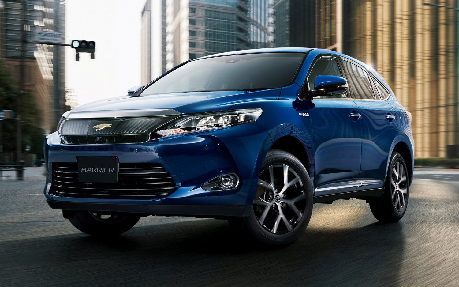 comparison - toyota harrier premium 2016 - vs - toyota fortuner